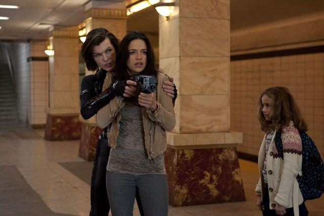 File:Resident-evil-Retribution-2012-resident-evil-31754529-1200-800.jpg