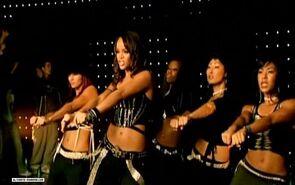 Rihannasosnikeversion1