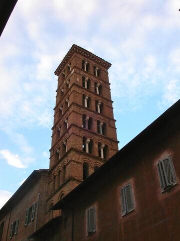 File:2011 Silvestro, campanile.jpg