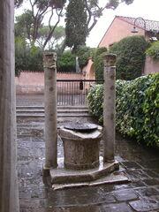 2011 Giovanni in Porta Latina, well