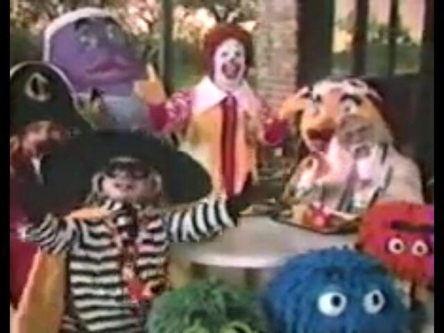 File:Ronald McDonald & Friends 4.jpg