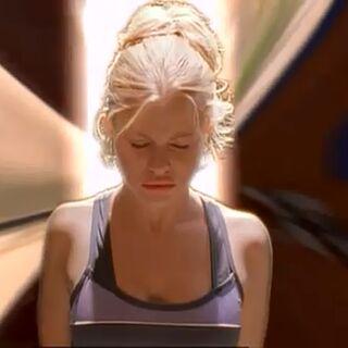 Tess focuses her mindwarp...