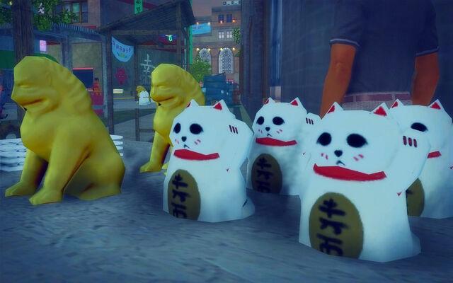 File:Little Shanghai - waving cats.jpg