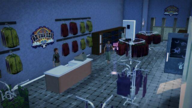 File:On The Rag in Quinbecca - interior counter.jpg