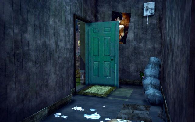 File:University Loft - Cheap - entrance.jpg