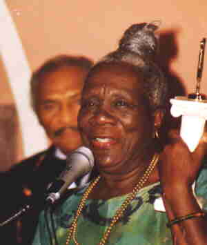 File:Beah Richards.jpg