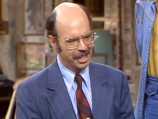 File:Dr. Simmons.png