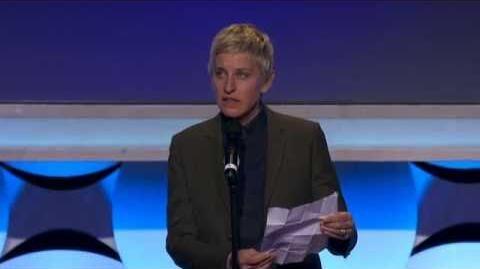 Ellen DeGeneres presents the Vanguard Award to Kerry Washington
