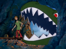 Shag and Scoob in the dinosaur mouth