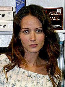 File:Amy Acker.jpg