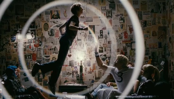 File:Scott-pilgrim-trailer-2-35-10-kc.jpg