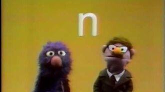 Classic Sesame Street Grover and Herbert Birdsfoot Recite the Alphabet (Spanish)