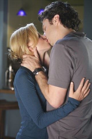 File:6x4 JD and Kim kiss 2.jpg