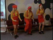 2x21 Elliot Jamie Rerun dance