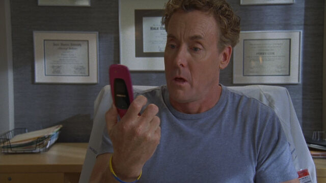 File:8x9 Cox finds phone.jpg
