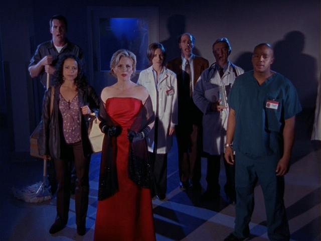 File:2x13 Elaine and cast sing.jpg