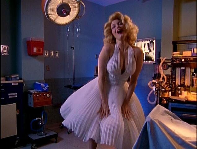File:3x15 Marilyn II.jpg