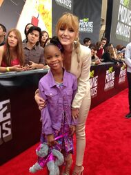 Bella-thorne-MTV-Movie-Awards
