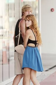 Bella-thorne-with-boyfriend-beachwear