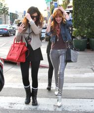 Bella Thorne Lunch4
