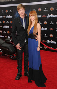 Bella-thorne-avengers-premiere-with-boyfriend