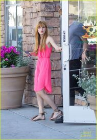 Bella-thorne-with-tristan-in-pink-dress(2)