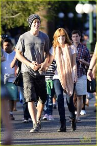 Bella-thorne-with-boyfriend-outside