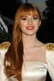 BellaThorne12thMovieGuideAwards(27)