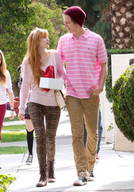 Bella-thorne-with-boyfriend (8)