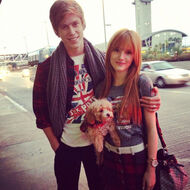 Bella-thorne-Bristan-arm-around-with-Kingston