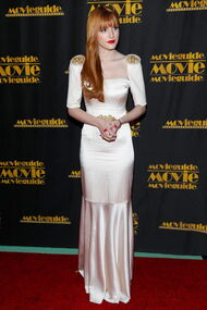 BellaThorne12thMovieGuideAwards(9)