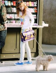 Bella-thorne-phonecase-shop
