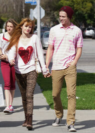 Bella-thorne-with-boyfriend (5)