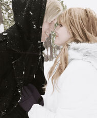 Bella-thorne-with-boyfriend-in-the-snow