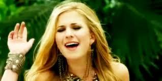 Caroline Sunshine 09