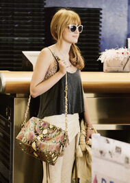 Bella-thorne-chichystyle