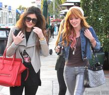 Bella Thorne Lunch31