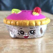 Queen of Tarts toy