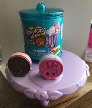 Shopkins-Food-Fair-Set-Of-2-Cream-E