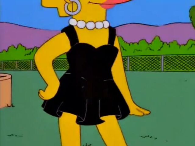 File:BlackdressLisa3.jpg