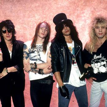 De acordo com revista, Guns and Roses deve fazer turnê com integrantes da formação original