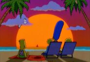 Simpsons-Little-Big-Mom-Homer-sings-Aloha-Oe-in-bg-Hawaiian-sunset-crop