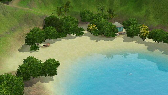 File:Crystal Waters Beach.jpg