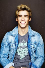Brenton Thwaites | SLiDE Wiki | Fandom powered by Wikia