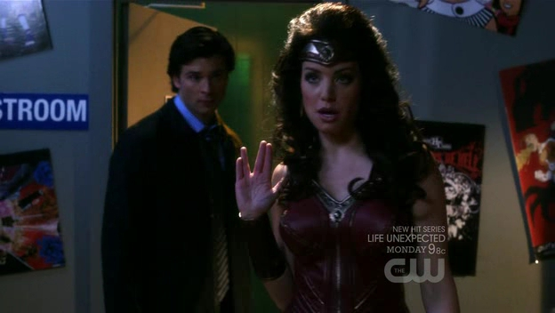 File:Smallville 9x13 warrior 131.jpg