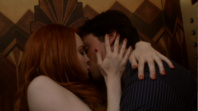 File:MaximaClarkKiss.png