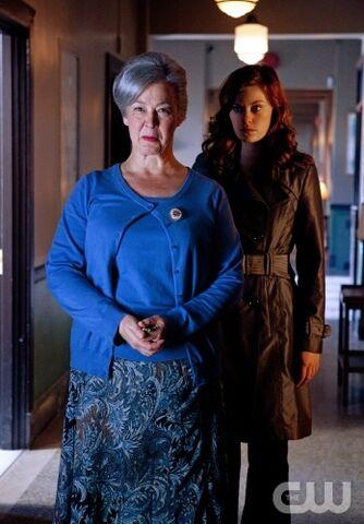 File:Granny Goodness & Tess Mercer.jpg