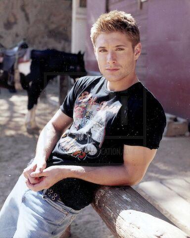 File:Jensen Ackles Alyson Dyer 2004-06.jpg