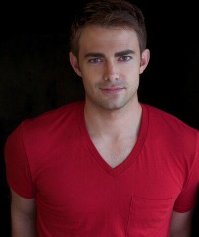 File:Jonathan Bennett imdb-2013-09-18c.jpg
