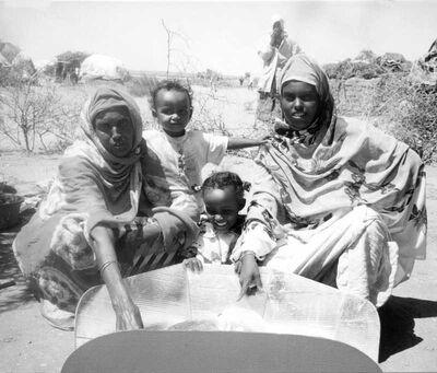 Aisha Refugee Camp refugees with CooKit